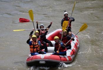 Rafting aktivitesi yaparak gençlere örnek kişi oldu